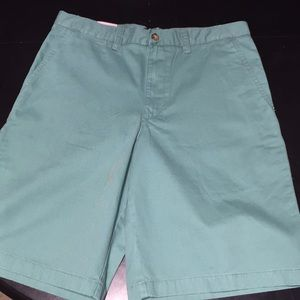 Covington Green Khaki Shorts 32""